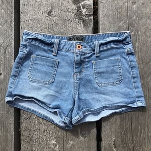 🏝1/2 Off Sale 🏝 Guess Jean Shorts